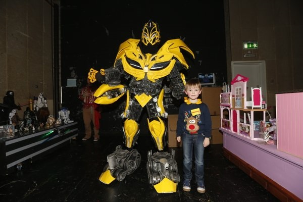 Late Late Toy Show_Transformer_Bumblebee_Robot_Networks